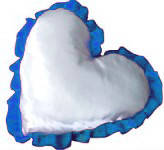 Подушка под сублимацию с синим рюшем в форме сердца ( атлас )