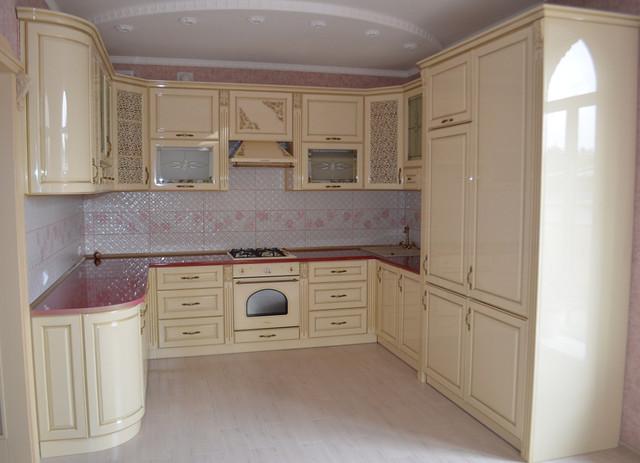 Кухня на замовлення з глянцевими фасадами з МДФ
