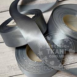 Лента сатиновая серая шириной 30 мм