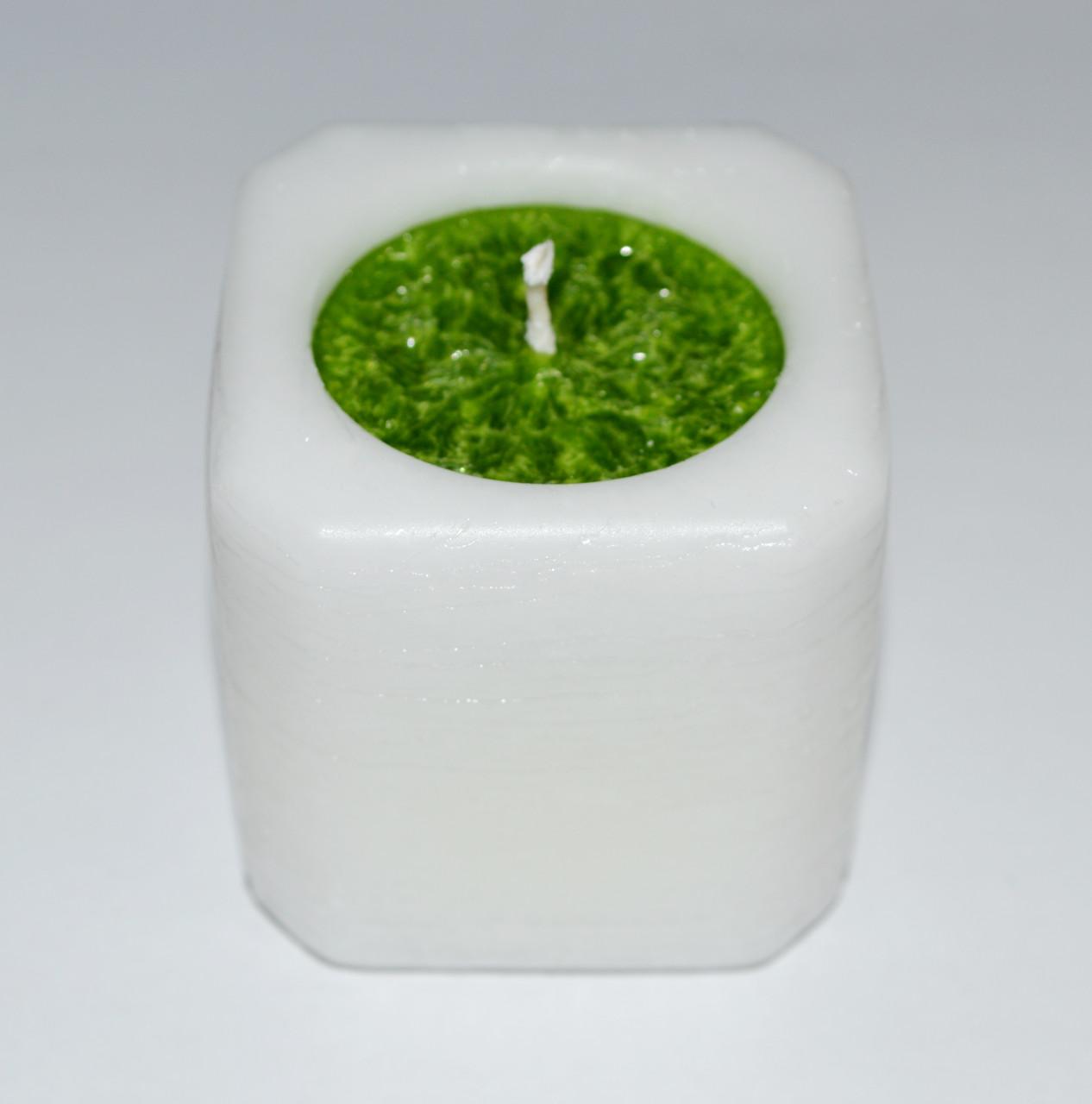 Свеча куб бело-зеленый 47 х 47 мм