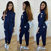 Женский стильный джинсовый комбез с нашивками , фото 1