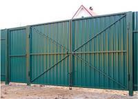 Ворота распашные с профнастилом
