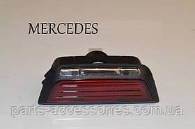 Ліхтар підсвічування задні ліві праві двері Mercedes C-Class W204 2007-13 новий оригінал