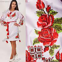 Женское вышитое платье крестиком Зоряна с розами и орнаментом