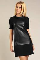 Платье трикотажное с искусственной кожей черного цвета с вотротничком