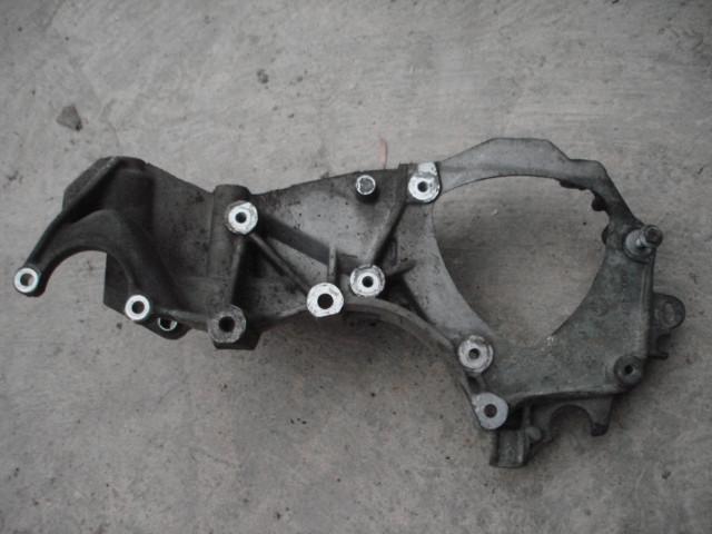 Кронштейн крепления генератор и насос гидроусилителя руля Renault Master 2.5 dci