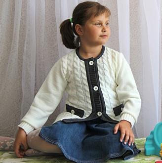 Кофта вязаная для девочки