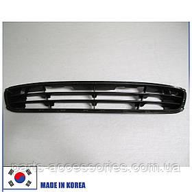 Седан Hyundai Genesis 2009-11 центральна сітка в передній бампер нова оригінал