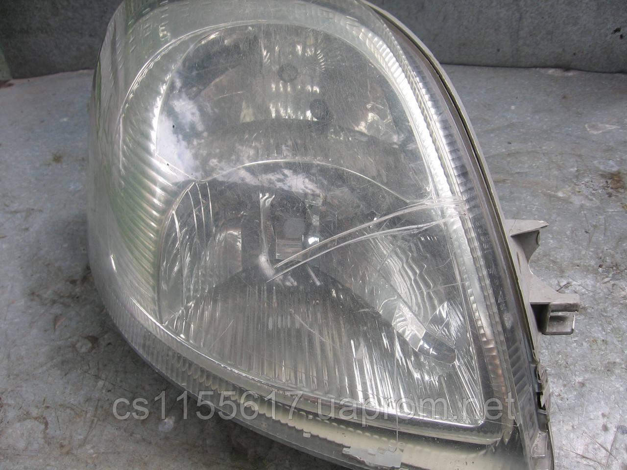 Фара правая б/у на Renault Master, Opel Movano, Nissan Intersar год 2003-2010 (царапины, нет креплений)