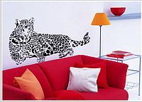 """Наклейка на стену, виниловые наклейки в офис, магазин """"лежащий Леопард 110*52см"""" (лист 60*90см)"""