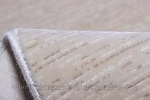 Акриловий килим бежевого кольору однотонний