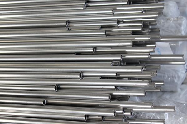 Труба бесшовная нержавеющая 18,0х2,5 бесшовная сталь 12Х18Н10Т