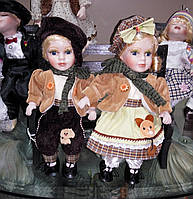 Коллекционная фарфоровая кукла (набор) Влюбленная парочка на лавочке