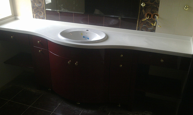 Столешницы в ванну из искусственного камня, Мебель для ванных комнат