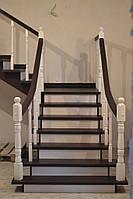 """Лестница из ясеня в стиле """"Прованс"""" с радиусными поручнями"""