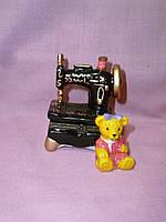 Швейная машинка шкатулка - статуэтка керамическая 7,5 см высота