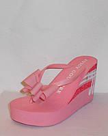 Шлепки сланцы Juicy на платформе розовые с бантом