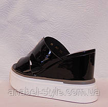 Шлепки женские стильные лаковые черные, фото 3