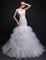 Модное свадебное платье со шлейфом