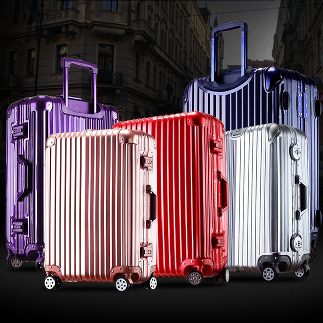 Комплекты чемоданов пластиковых