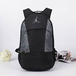 Спортивный рюкзак Jordan черный с серым логотипом (реплика)