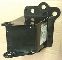 Буфер левого лонжерона (домик), кронштейн крепления усилителя переднего бампера левый GM 1400710 93368358 OPEL Meriva-A