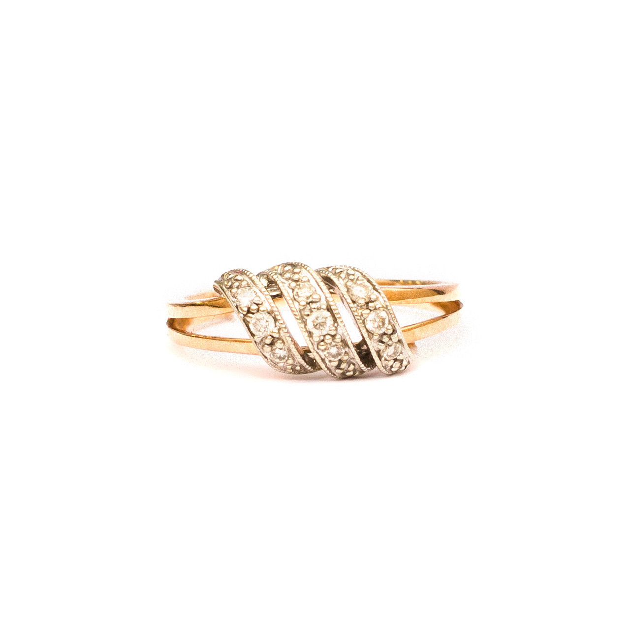 Золотое кольцо с бриллиантами р17,5