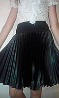 Школьная юбка плиссе-гофре плотный черный атлас