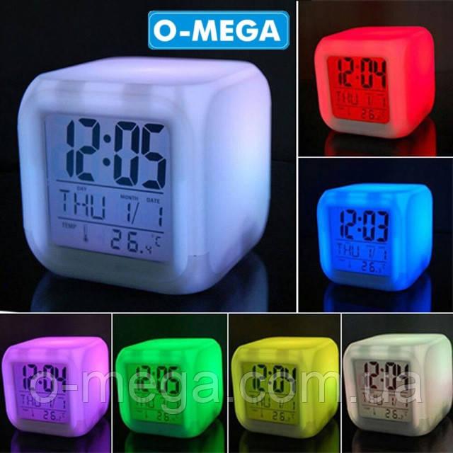 Светящиеся часы хамелеон с термометром Кубик