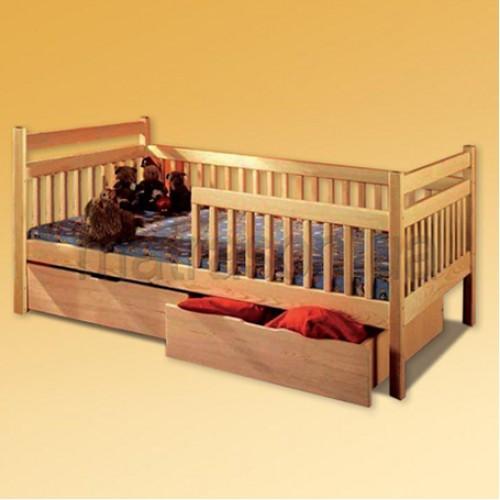 """Деревянная кровать для трехлетнего ребенка """"Романская"""""""
