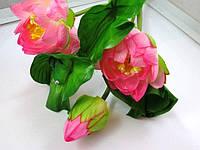 Лотосы букет с лягушкой (3 цветка, 1 бутон, 3 листа)