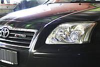 "Toyota Avensis - замена линз на биксеноновые Hella NEW 3.0"" D2S и установка ""ангельских глазок"" LOTUS, фото 1"