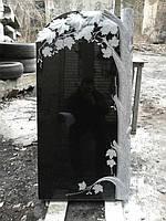 Памятник гранитный в форме клена № 611