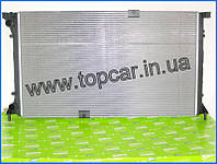Радиатор двигуна +АС на Renault Trafic II 2.5DCi 03-  Valeo(Франция) 732911