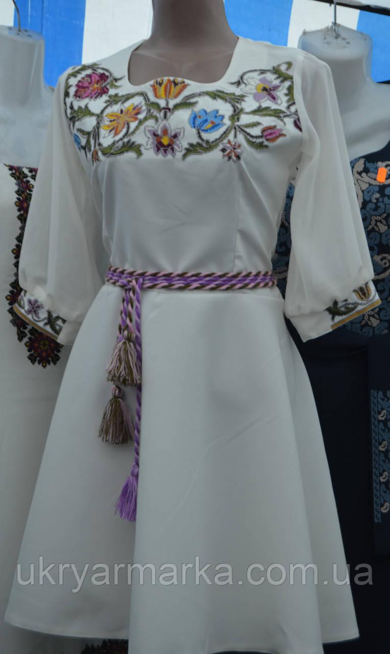 """Жіноче плаття з вишивкою """"Красуня"""""""