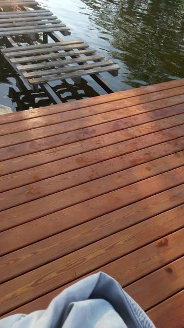 Закончена установка палубной доски из лиственницы,все размеры соблюдены.