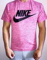 Яркая мужская футболка Nike
