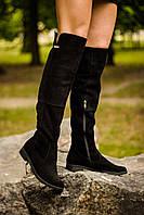 Ботфорты черного цвета из натуральной замши на низком ходу