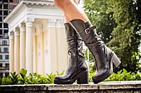 Сапоги черного цвета из натуральной кожи  на устойчивом каблуке