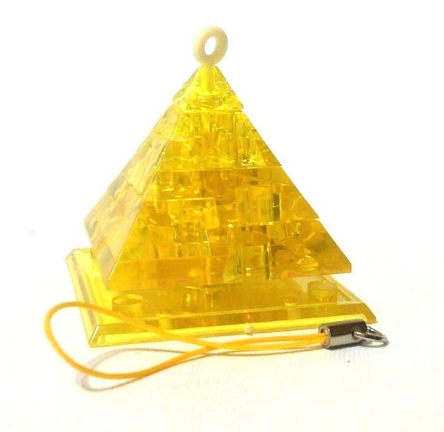 "Кристаллический пазл 3D - брелок ""Светящаяся пирамида"""