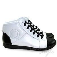 Ботинки женские спортивные на шнуровки из натуральной кожи