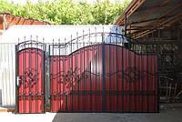 Ворота из профнастилом с элементами ковки