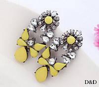 Серьги гвоздики желтые с камнями