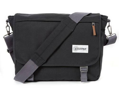 Практичная городская сумка 20 л. Delegate Eastpak EK07610L черный