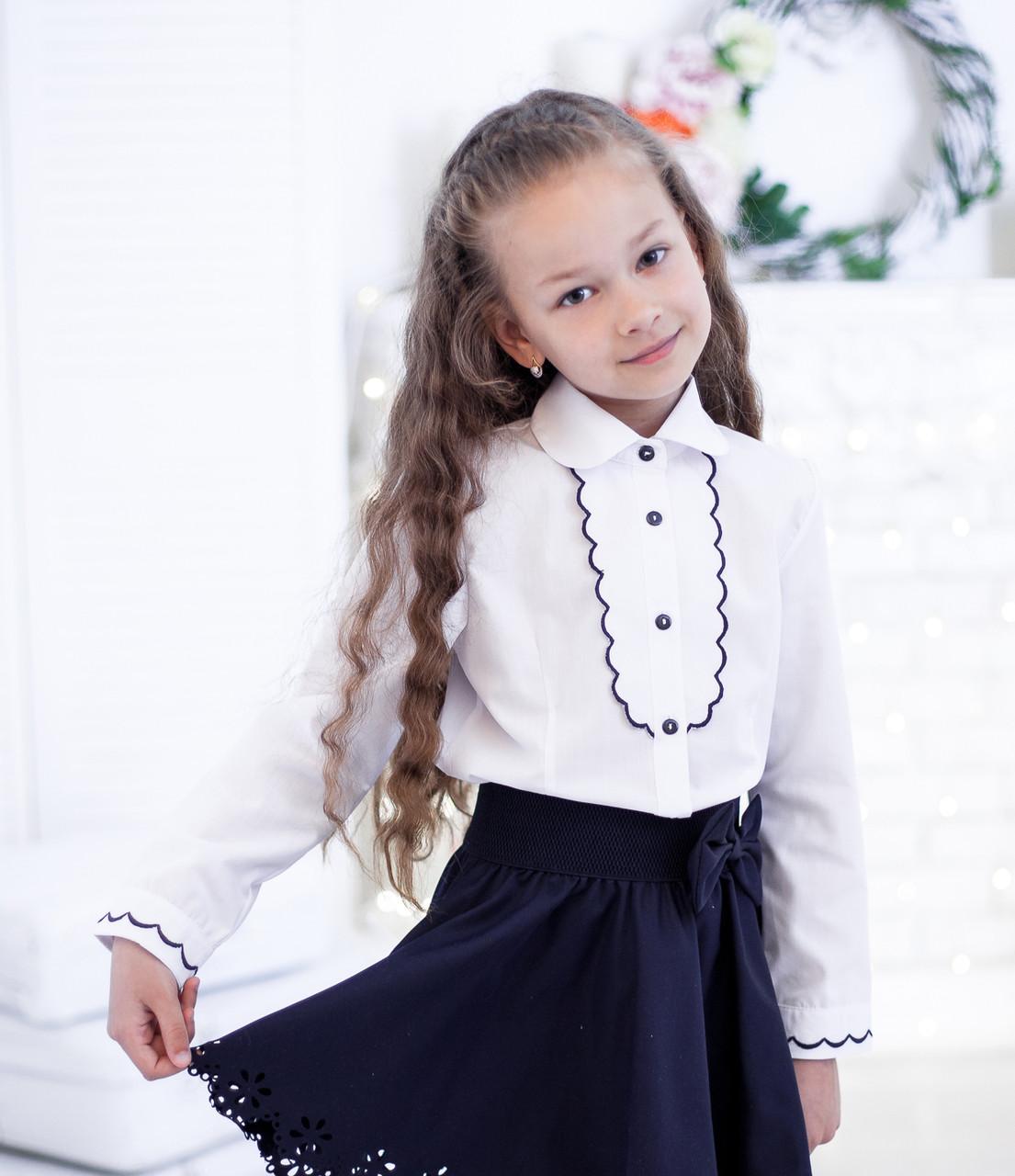 Красивая школьная блузка с рельефным декором  140