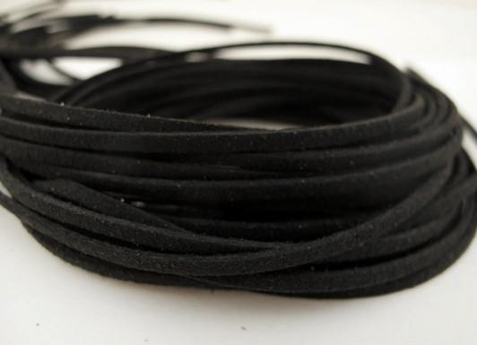 Шнур замшевый 3/1,5 мм, черная