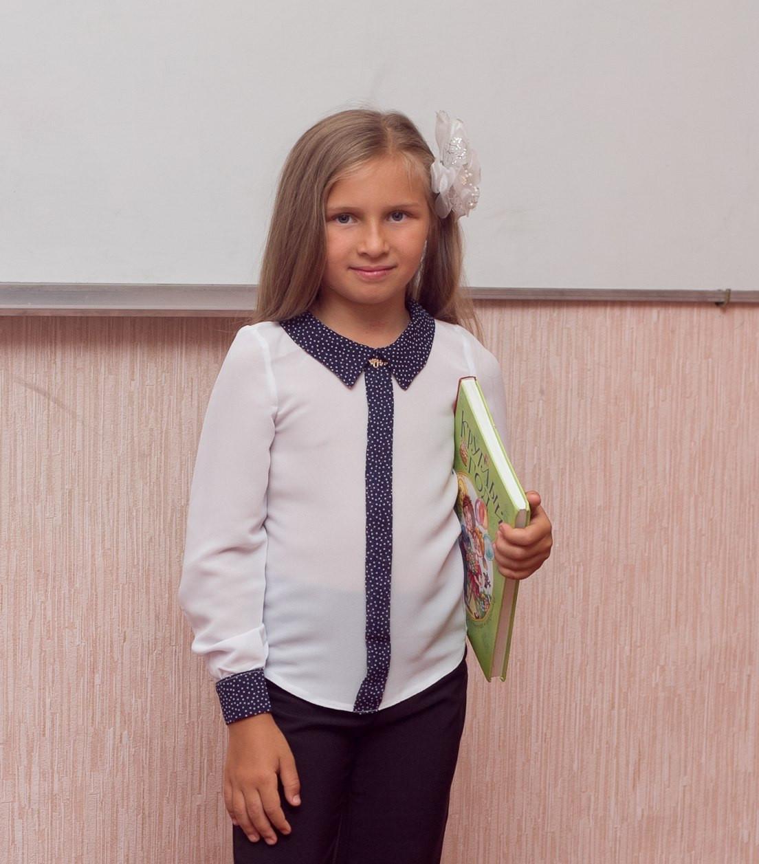 Блузка шкільна з довгим рукавом на дівчинку