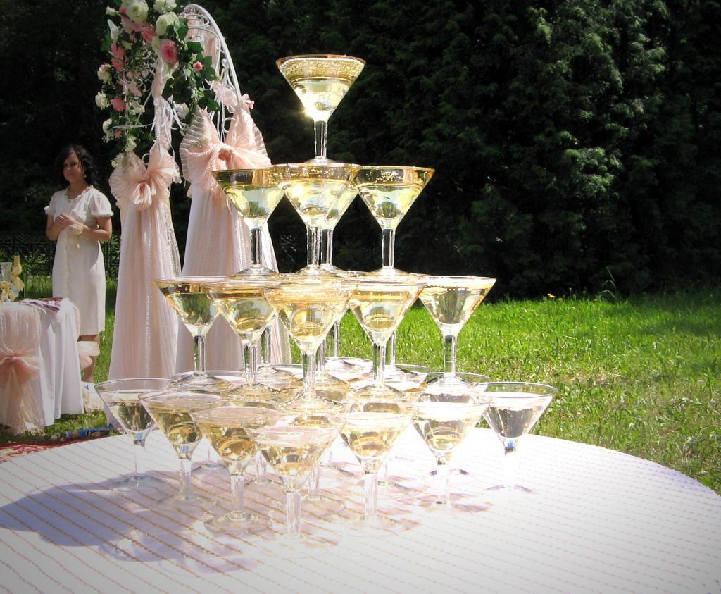 Фонтан для шампанского. Пуншница
