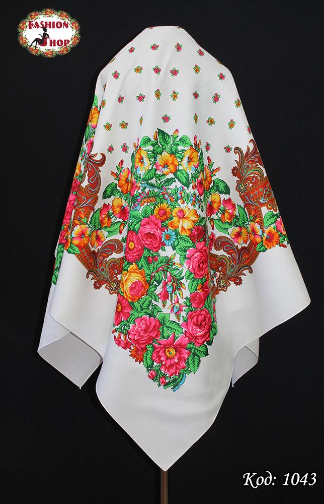 Шерстяной белый платок Цветочный Рай