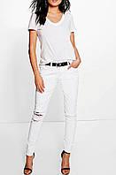 Белые рваные джинсы BooHoo